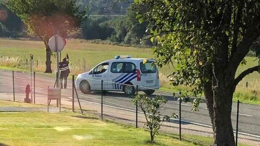 Une voiture retrouvée dans un talus à Libramont ce matin: une personne est décédée après avoir perdu le contrôle de son véhicule