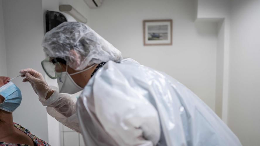 En France, le taux de positivité continue d'augmenter — Coronavirus