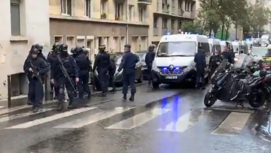 Attaque à l'arme blanche près de l'ancien siège Charlie Hebdo