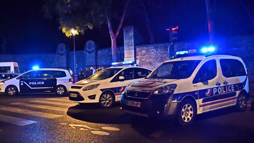 Scène d'horreur en France: deux femmes massacrées dans un appartement, un homme interpellé