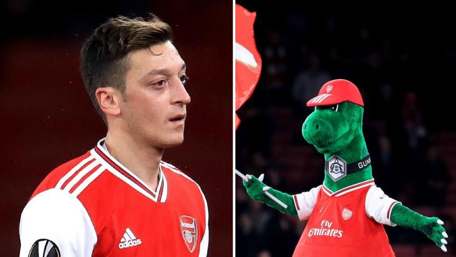 Le beau geste d'Ozil pour la mascotte des Gunners — Arsenal