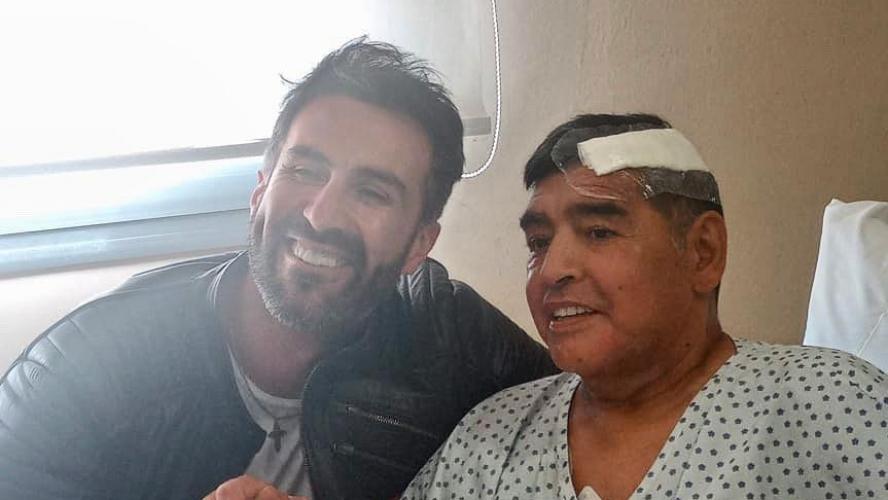 Sortie d'hôpital envisagée pour Maradona mais aucune date n'a été annoncée