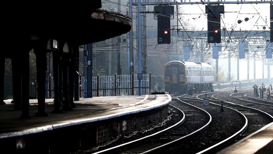 Une personne heurtée par un train près de Waterloo: la circulation interrompue sur la ligne reliant Bruxelles-Midi et Charleroi