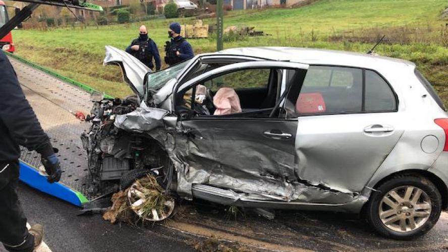 Spectaculaire Accident Apres Un Choc Frontal A Houx Deux Conducteurs Impliques