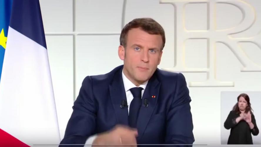 Les mesures anti-Covid de Macron débattues au Parlement