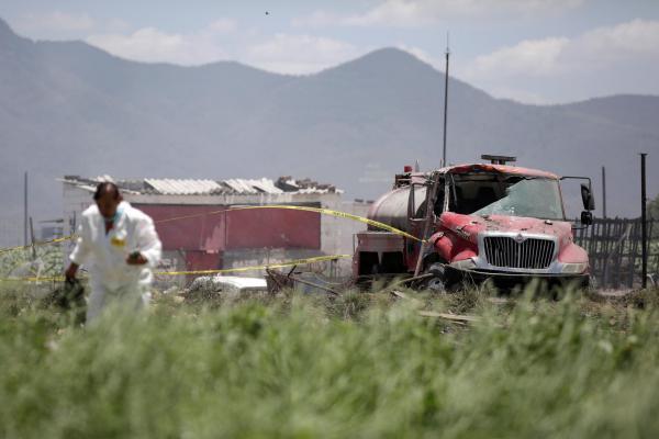 24 morts dans l'explosion dans un entrepôt de feux d'artifice — Mexique
