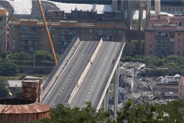 La société d'autoroute ne reconstruira pas le pont — Viaduc de Gênes